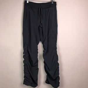 Under Armour Semi Fitted Storm Pants Size Medium